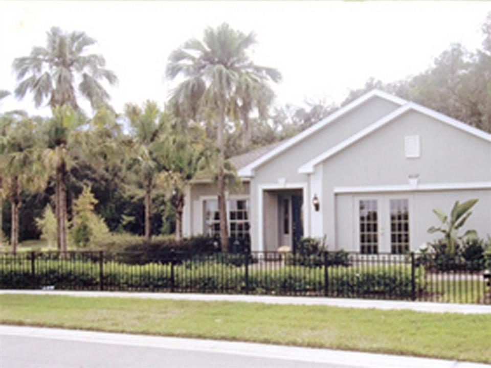 7310  Bradenton FL, 34203