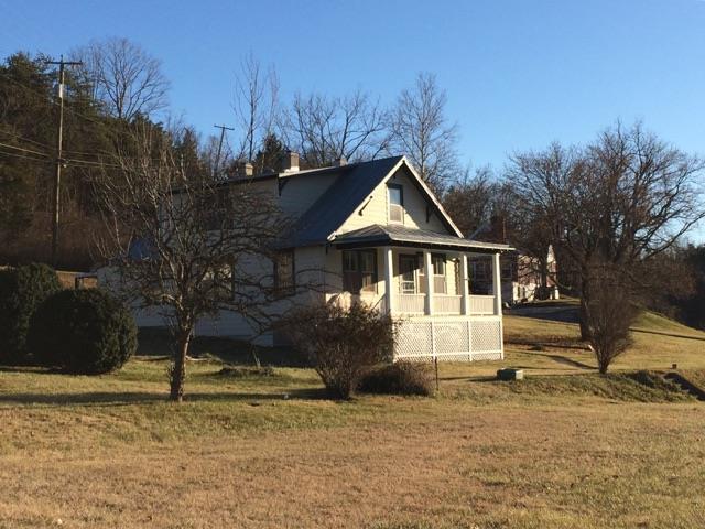 For Rent: 353 E Midland Trail-Available August 1st  Lexington VA, 24450